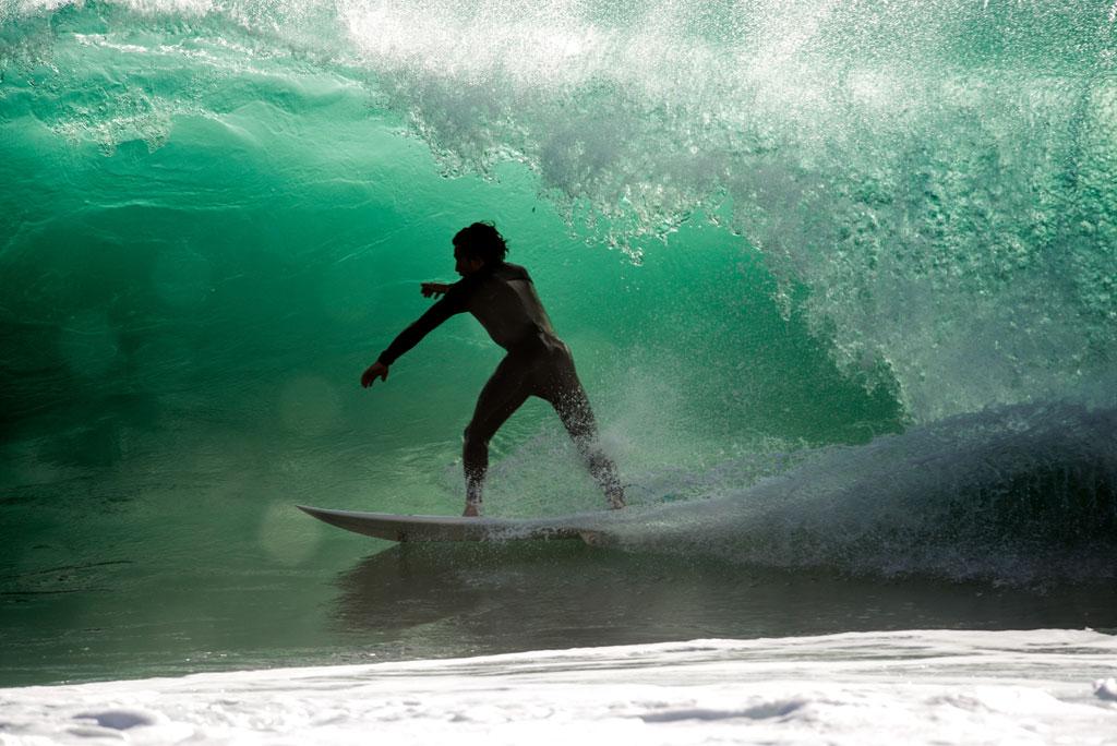 Giovanni evangelisti tube riding in varazze surf news - Tipi di tavole da surf ...